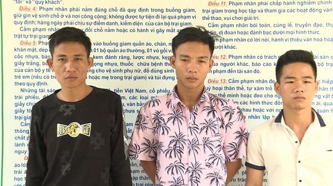 Vĩnh Phúc: Bắt chủ quán karaoke đánh đập, giam giữ 13 nữ tiếp viên - Ảnh 1