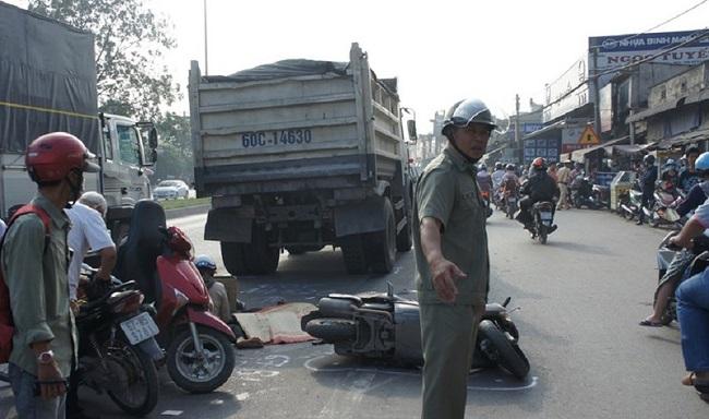 Tin tức tai nạn giao thông mới nhất hôm nay 20/11/2019: Xe khách tông xe tải, 3 người bị thương - Ảnh 4