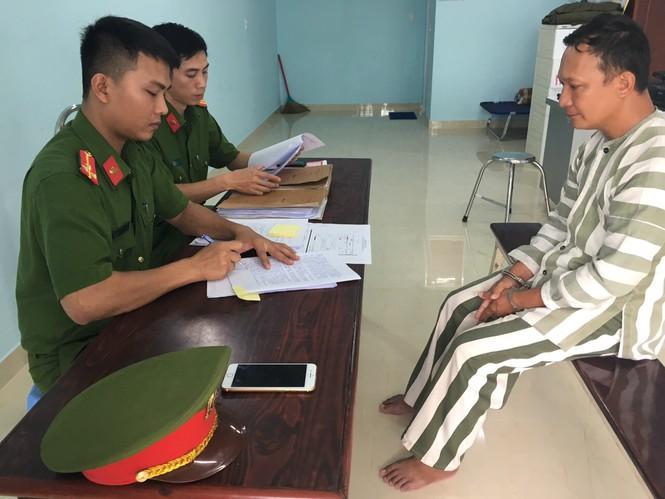 """Đồng Nai: Bắt đối tượng phóng hỏa đốt đài phát thanh để """"phi tang"""" sổ đỏ giả - Ảnh 1"""