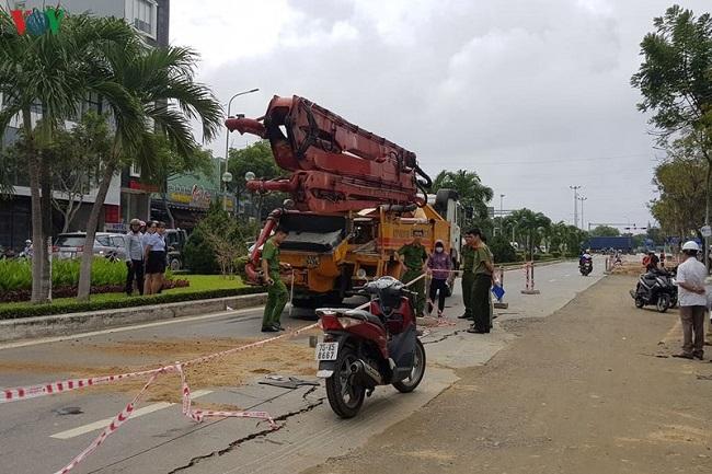 Tin tức tai nạn giao thông mới nhất hôm nay 30/11/2019: Tai nạn liên hoàn trên Xa lộ Hà Nội - Ảnh 2