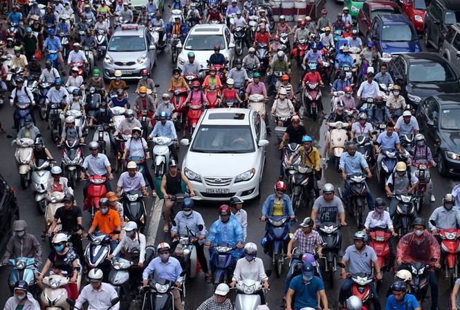 Hà Nội tiếp tục hoàn thiện đề án cấm xe máy vào nội thành năm 2030 - Ảnh 1