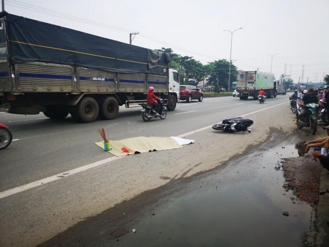 Tin tức tai nạn giao thông mới nhất hôm nay 10/11/2019: Đâm ô tô tải, người đàn ông bị chết cháy - Ảnh 3