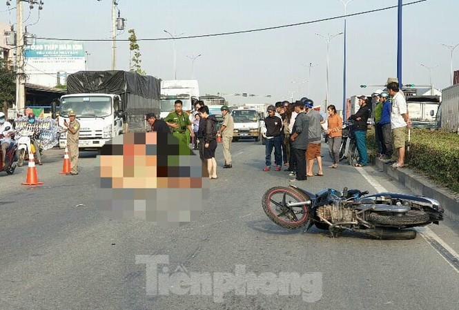Tin tai nạn giao thông mới nhất ngày 11/12/2019: Tai nạn giữa 3 xe máy, nam thanh niên tử vong - Ảnh 2