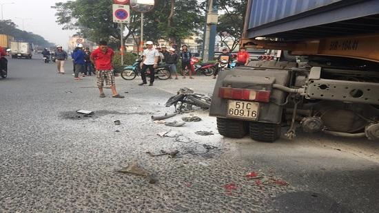 Tin tai nạn giao thông mới nhất ngày 13/12/2019: Người đàn ông đi tập thể dục bị xe tải tông tử vong - Ảnh 4