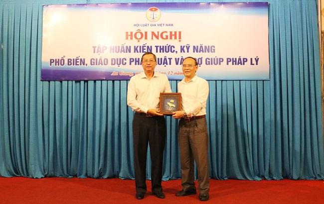 Hội Luật gia Việt Nam tổ chức tập huấn kiến thức, kỹ năng phổ biến, giáo dục pháp luật và trợ giúp pháp lý - Ảnh 4