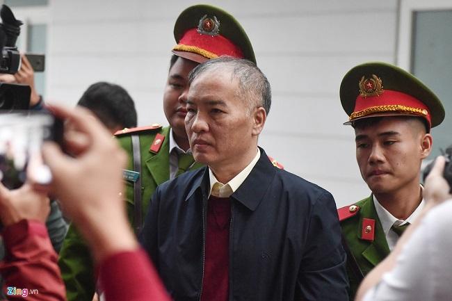 Xét xử đại án AVG: Hai cựu bộ trưởng Trương Minh Tuấn và Nguyễn Bắc Son xuất hiện tại tòa - Ảnh 4