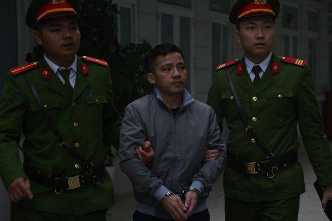 Xét xử đại án AVG: Hai cựu bộ trưởng Trương Minh Tuấn và Nguyễn Bắc Son xuất hiện tại tòa - Ảnh 6