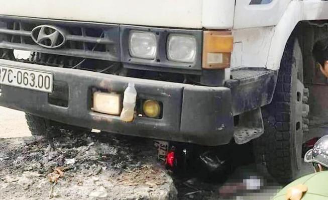 Tin tai nạn giao thông mới nhất ngày 18/12/2019: Va chạm với xe tải, nữ sinh lớp 10 tử vong - Ảnh 4