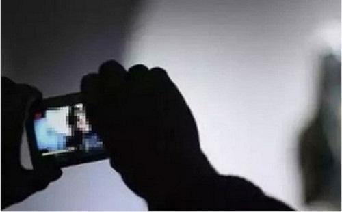 """Bắt thiếu nữ 19 tuổi dùng """"clip nóng"""" để tống tiền bạn tình U70 - Ảnh 1"""