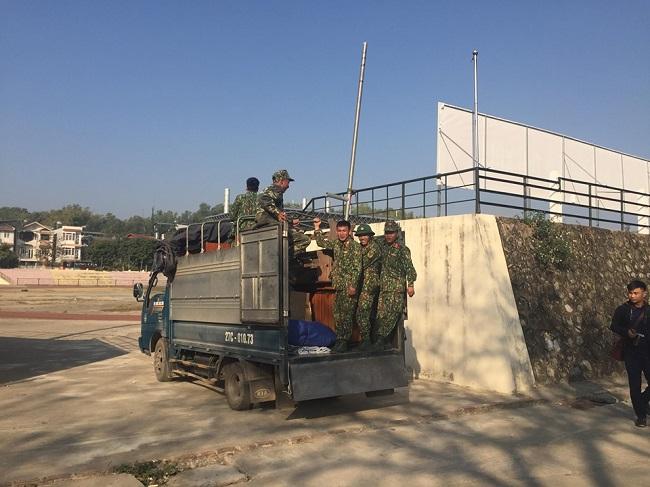 Cận cảnh sân vận động diễn ra phiên xét xử vụ nữ sinh giao gà bị sát hại ở Điện Biên - Ảnh 1