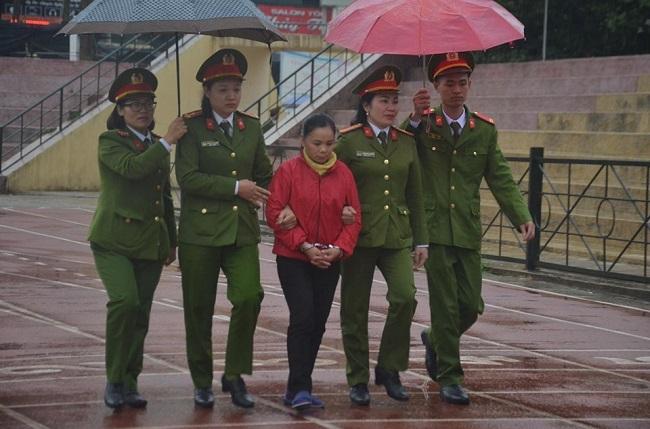 Xét xử vụ nữ sinh giao gà bị sát hại: Tử hình 6 bị cáo, tăng án đối với Bùi Thị Kim Thu  - Ảnh 5
