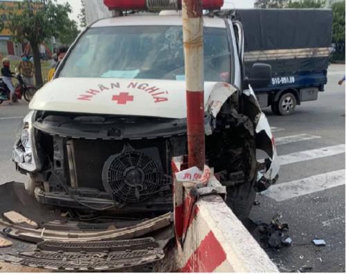 Tin tai nạn giao thông mới nhất ngày 31/12/2019: Xe tải đâm xe máy, 3 người tử vong tại chỗ - Ảnh 3