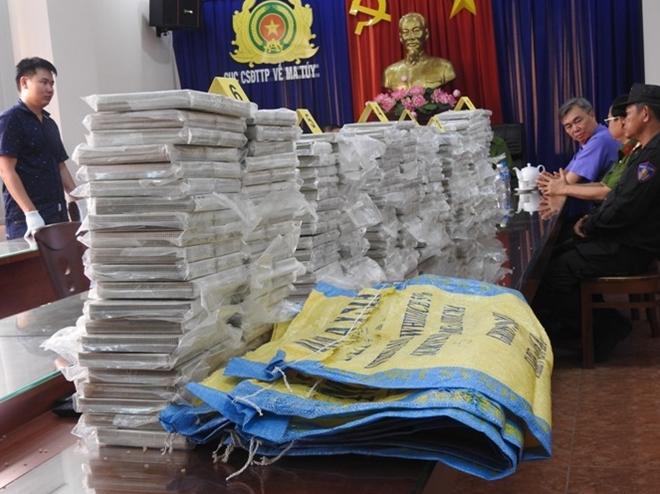 """Phá đường dây ma túy cực """"khủng"""" xuyên biên giới, thu giữ gần 500 bánh heroin trị giá hơn 6 triệu USD - Ảnh 1"""