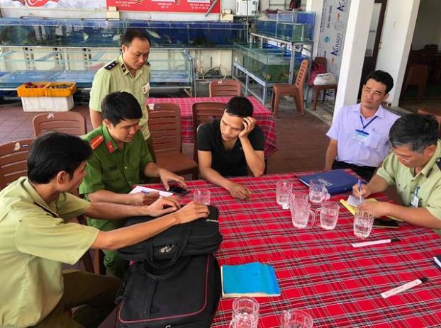 Vụ khách du lịch bị chặt chém đĩa rau mồng tơi 250.000 đồng: Phạt nhà hàng 750.000 đồng - Ảnh 1