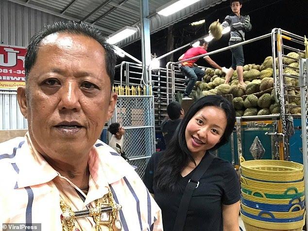 """Chàng trai bị """"vua sầu riêng"""" Thái Lan đánh trượt cuộc thi kén rể vì quá đẹp trai - Ảnh 2"""
