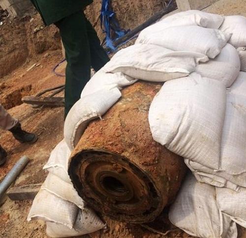 Quảng Bình: Phá thành công quả bom nặng gần 350kg còn sót lại sau chiến tranh - Ảnh 1