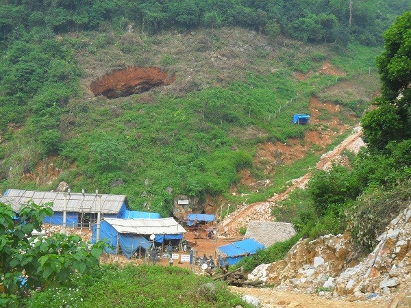 Hé lộ nguyên nhân vụ sập mỏ thiếc khiến 3 người tử vong ở Nghệ An - Ảnh 2