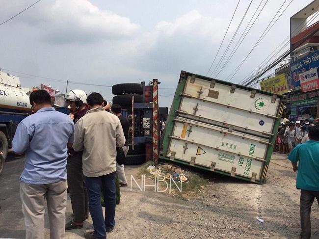 Hiện trường vụ lật xe container làm 3 người chết: Ám ảnh cảnh các nạn nhân nằm dưới thùng xe - Ảnh 2