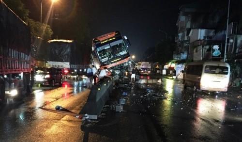 Tin tai nạn giao thông mới nhất ngày 25/3/2019: Xe ben tông sập nhà, 2 vợ chồng đang ngủ tử vong - Ảnh 4