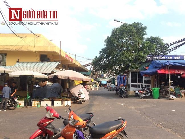 Hà Nội: Điều tra nghi án một đối tượng bịt mặt nổ súng, cướp tiền tại chợ Long Biên - Ảnh 1