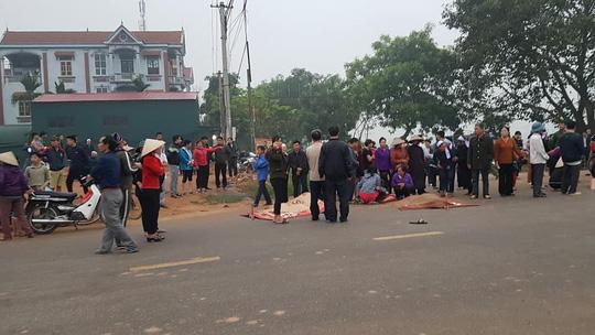 Vụ xe khách đâm đoàn đưa tang, 7 người chết: Hé lộ danh tính tài xế, nạn nhân tử vong - Ảnh 1