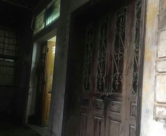 Vụ thầy cúng truy sát cả nhà hàng xóm: Nghi phạm đã tử vong tại bệnh viện - Ảnh 2