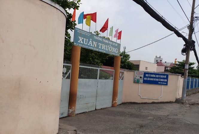 TP.HCM: Nam sinh lớp 8 bị 6 học sinh đánh hội đồng ngay giữa sân trường - Ảnh 1