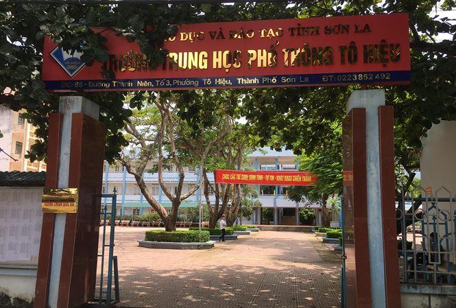 Vụ gian lận điểm thi THPT quốc gia ở Sơn La: Thí sinh lọt top 3 đầu vào ĐH Y Hà Nội được nâng 15,3 điểm - Ảnh 1