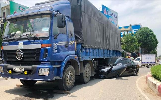 Tin tai nạn giao thông mới nhất ngày 13/4/2019: Hai cha con tử vong thương tâm dưới bánh xe ben - Ảnh 3