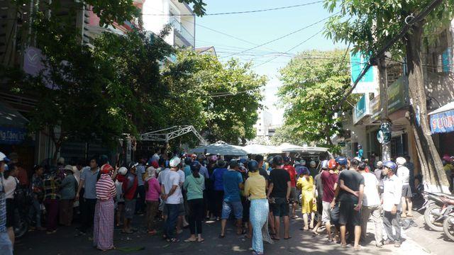 Dựng rạp đám cưới, đám tang gây tai nạn giao thông có thể bị phạt tới 10 năm tù - Ảnh 1
