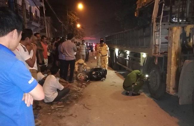 Tin tai nạn giao thông mới nhất ngày 19/4/2019: Dừng mua nước mía, 3 phụ nữ bị ô tô tông nhập viện - Ảnh 4