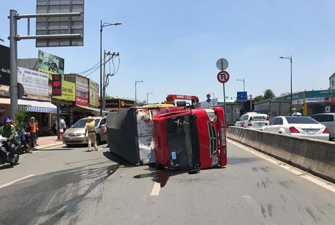 Tin tai nạn giao thông mới nhất ngày 3/4/2019: Tàu hỏa tông văng ô tô, 3 người bị thương - Ảnh 4