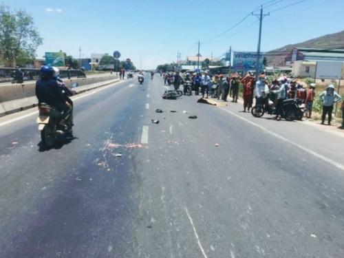 Tin tai nạn giao thông mới nhất ngày 23/4/2019: Xe khách nghi tông chết học sinh rồi bỏ chạy - Ảnh 4
