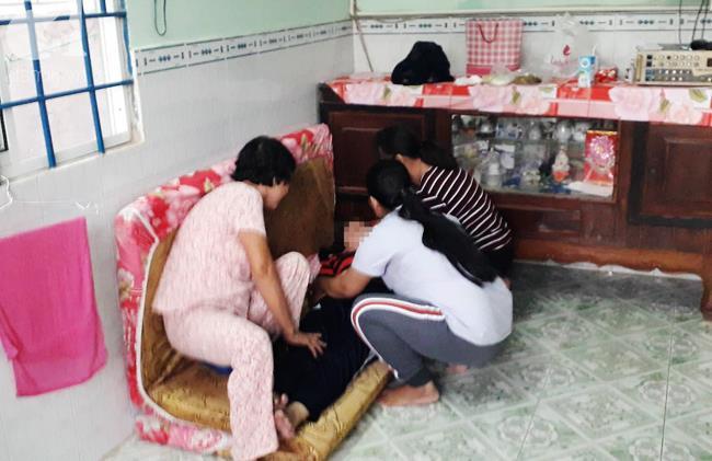 Vụ thảm án 3 người chết ở Bình Dương: 25 vết thương và cuộc chạy trốn vô vọng của bé gái 8 tuổi - Ảnh 3