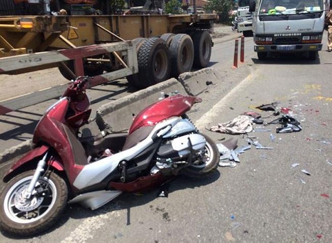Tin tai nạn giao thông mới nhất ngày 28/4/2019: Xe container gây tai nạn liên hoàn ở Hà Tĩnh - Ảnh 2