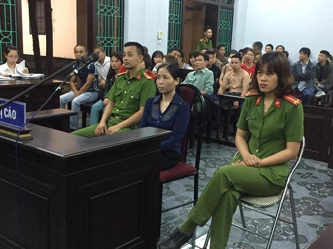 Đang xét xử sơ thẩm nữ y sĩ lây bệnh sùi mào gà cho 117 cháu bé ở Hưng Yên - Ảnh 1