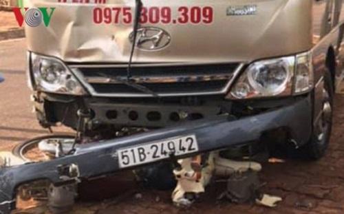 Tin tai nạn giao thông mới nhất ngày 6/4/2019: Ô tô khách tông xe máy, 3 ông cháu thương vong - Ảnh 4