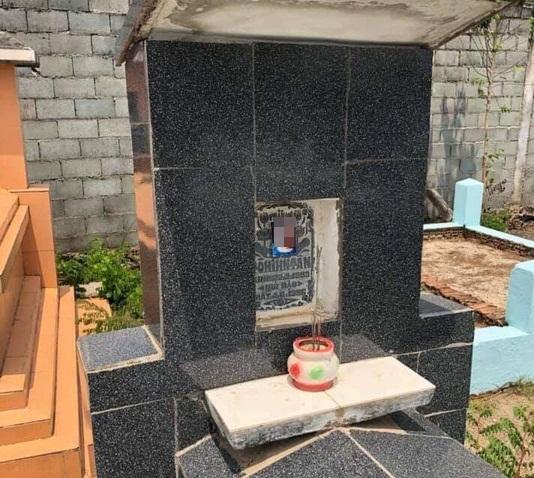 Đồng Nai: Người dân bàng hoàng phát hiện hàng chục ngôi mộ bị dán ảnh phụ nữ lạ - Ảnh 1