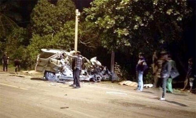 Tin tai nạn giao thông mới nhất ngày 8/4/2019: Ô tô va chạm xe tải chở rau, 5 người thương vong - Ảnh 1
