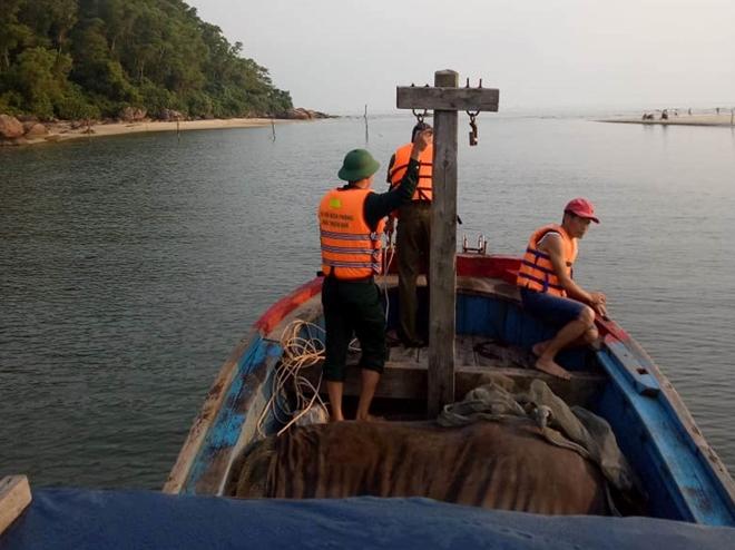 Vụ nam thanh niên mất tích sau khi cứu 2 nữ sinh đuối nước: Đã tìm thấy thi thể nạn nhân - Ảnh 1