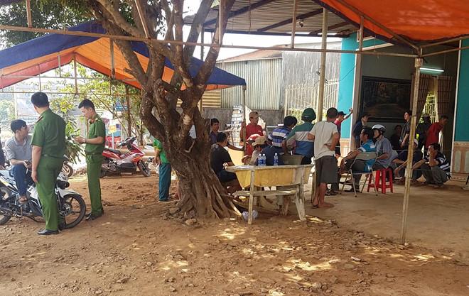 Gia Lai: Bắt khẩn cấp thanh niên 9x đâm chết chủ cửa hàng vật liệu xây dựng - Ảnh 1