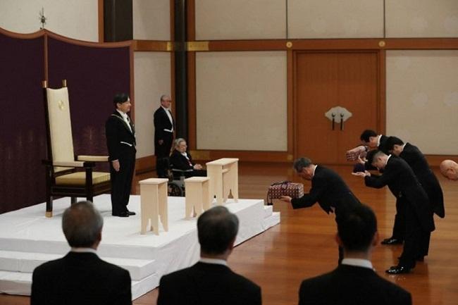 Tân Nhật hoàng Naruhito lên ngôi, triều đại Lệnh Hòa chính thức bắt đầu - Ảnh 1