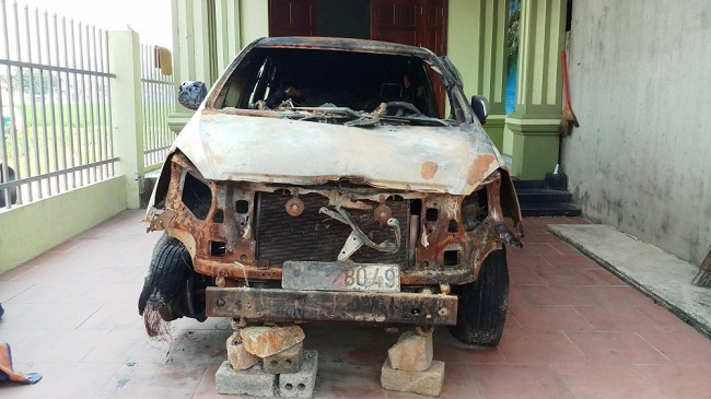 Thanh Hóa: Cựu Bí thư đoàn xã ra đầu thú vì đốt xe Innova của người dân - Ảnh 1
