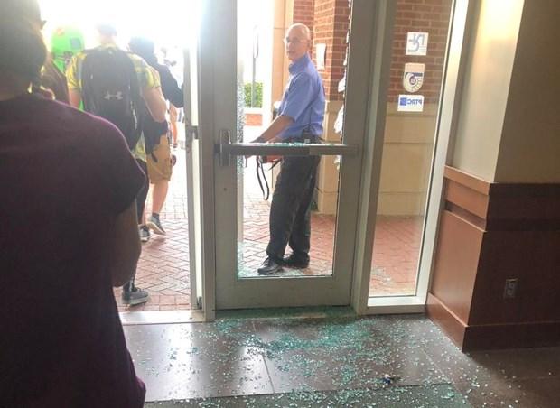 Mỹ: Điều tra vụ nổ súng tại trường đại học khiến 6 người thương vong - Ảnh 2