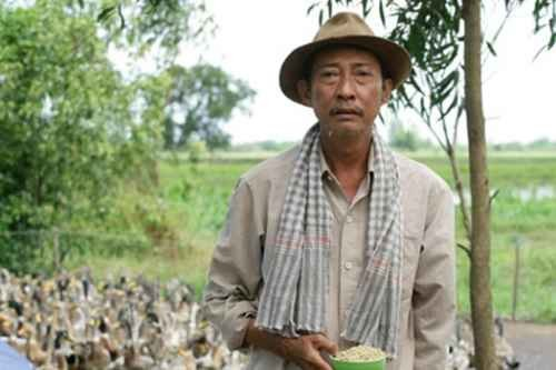 Cố nghệ sĩ Lê Bình: Hơn 30 năm khóc cười cùng nghệ thuật - Ảnh 4