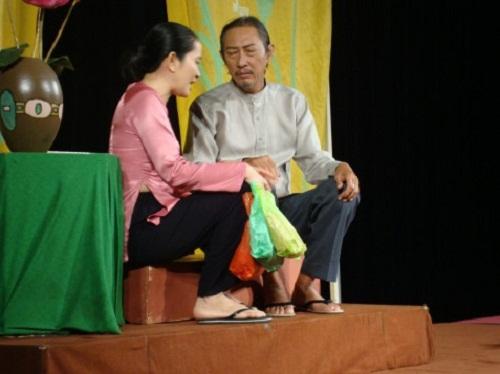Cố nghệ sĩ Lê Bình: Hơn 30 năm khóc cười cùng nghệ thuật - Ảnh 9
