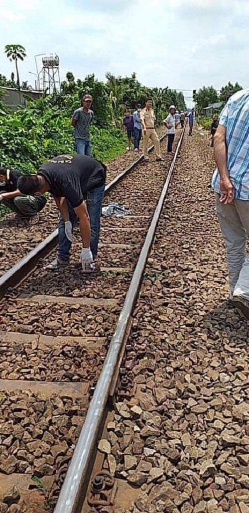 Tin tai nạn giao thông mới nhất ngày 2/5/2019: Lao vào tàu lửa, một người đàn ông tử vong - Ảnh 3
