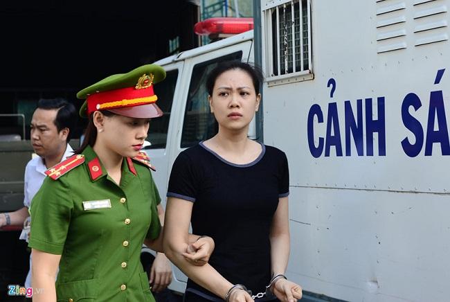 """Nước mắt và nụ cười của """"trùm"""" ma túy Văn Kính Dương cùng các đồng phạm trong 3 ngày xét xử - Ảnh 3"""