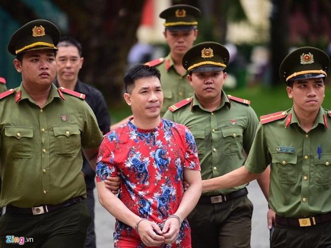 """Nước mắt và nụ cười của """"trùm"""" ma túy Văn Kính Dương cùng các đồng phạm trong 3 ngày xét xử - Ảnh 6"""
