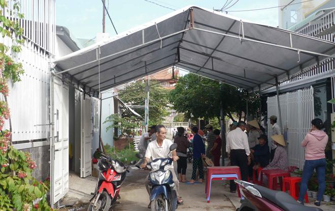 Bình Định: Hai vợ chồng giáo viên về hưu tử vong trong nhà, trên người nhiều vết thương - Ảnh 2